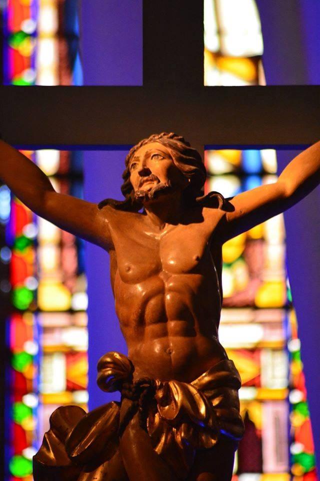 Croix Jésus Christ crucifié